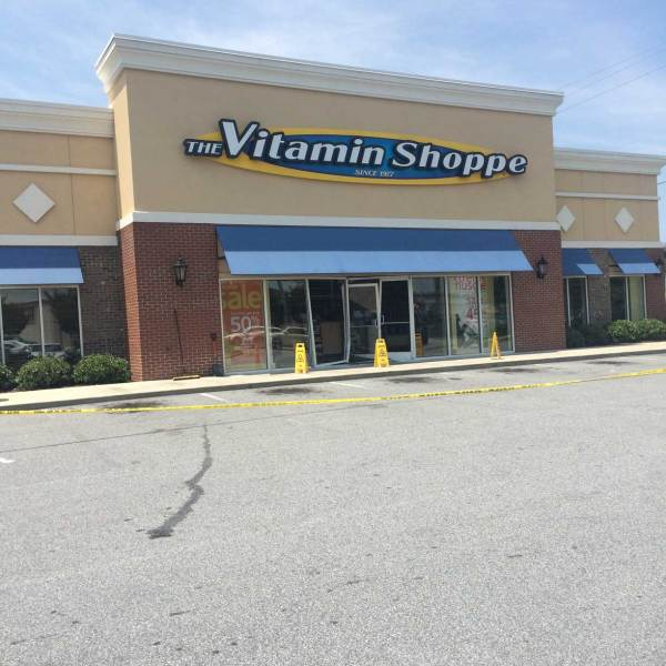 Car crashes into Greenville Vitamin Shoppe (Image 1)_3339