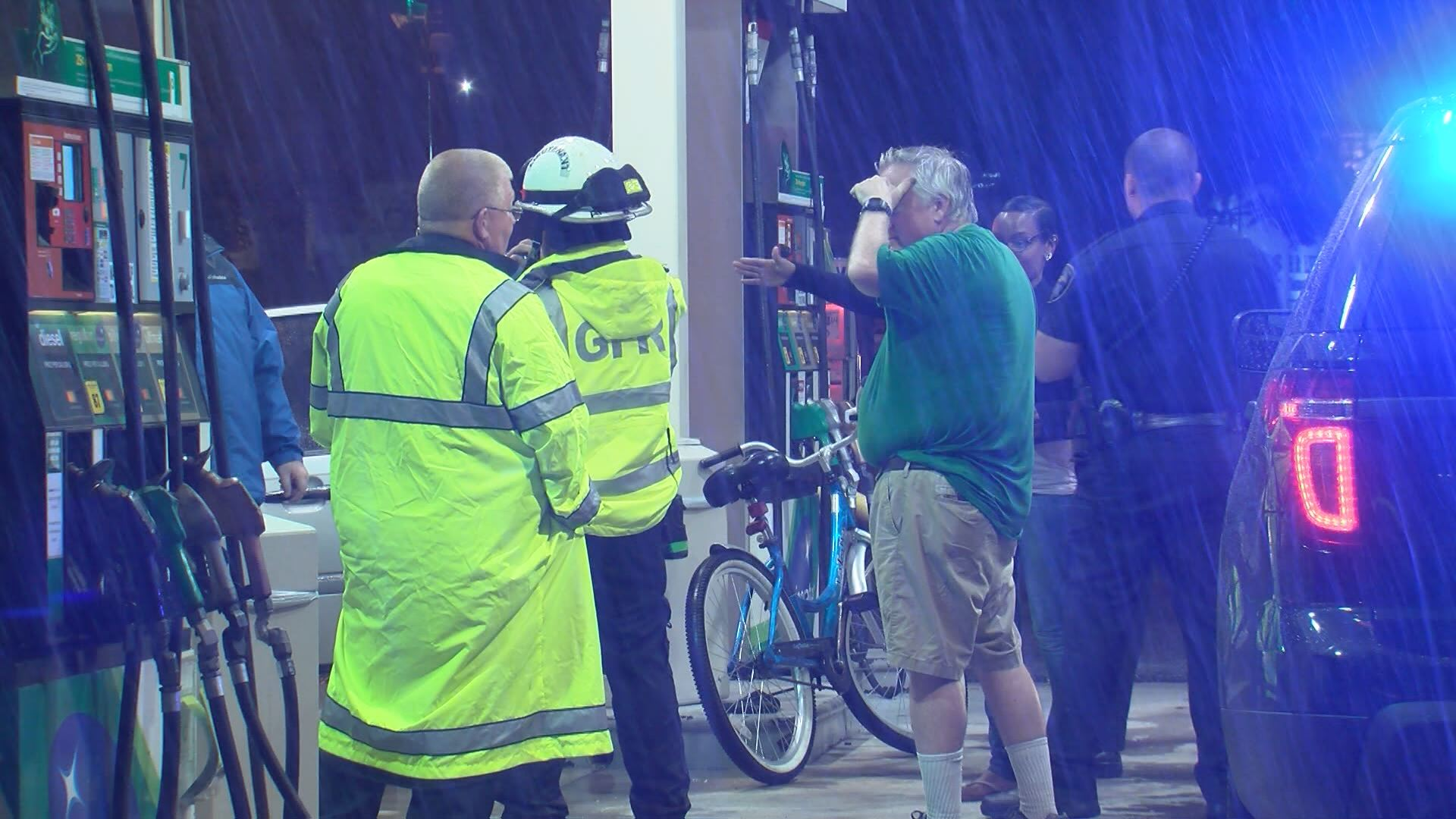Man on bike hit by car_25064