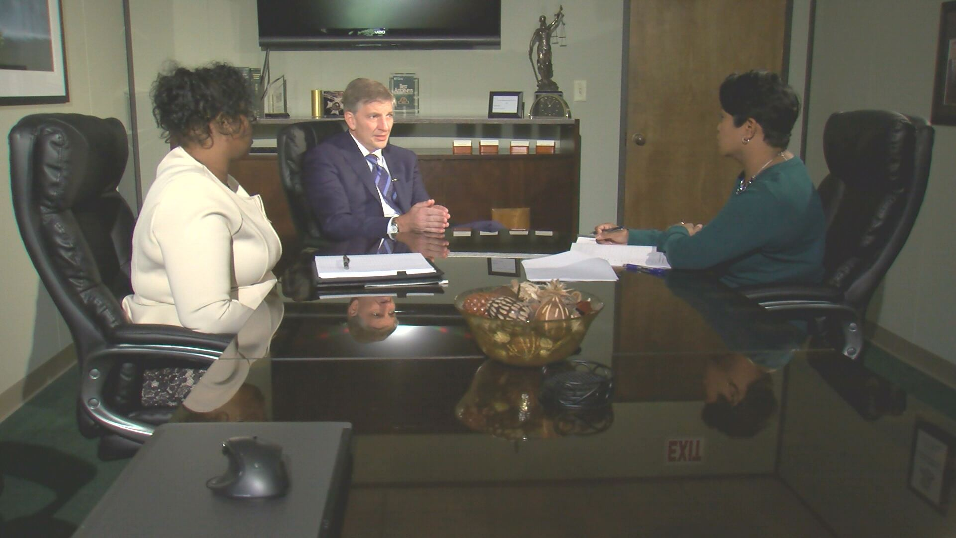 Bernadette Carter discusses wrongful death lawsuit with WNCT_116534