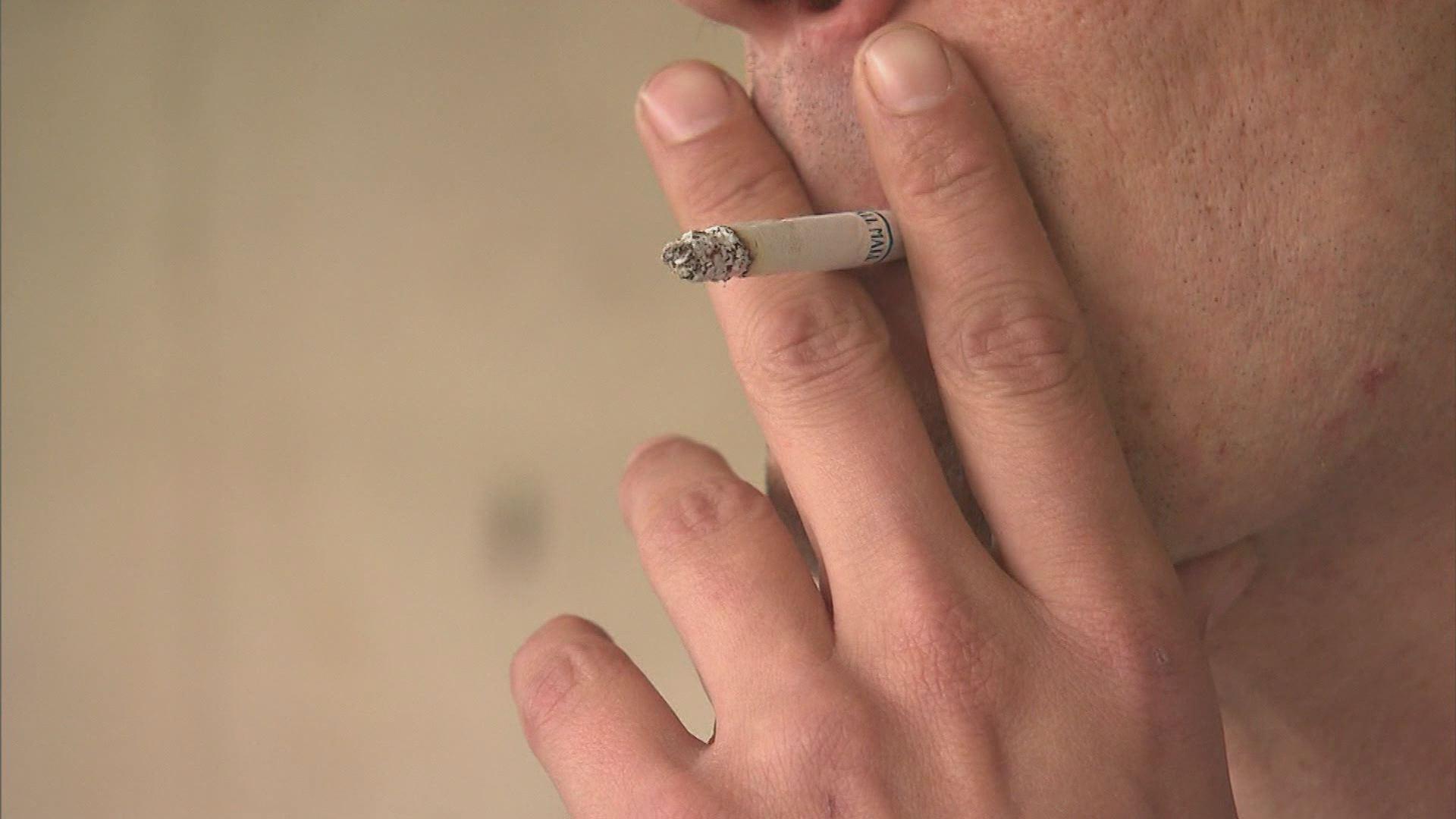 SMOKING_155868