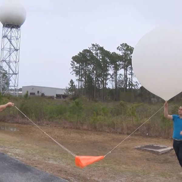 NWS BALLOON LAUNCH_173936