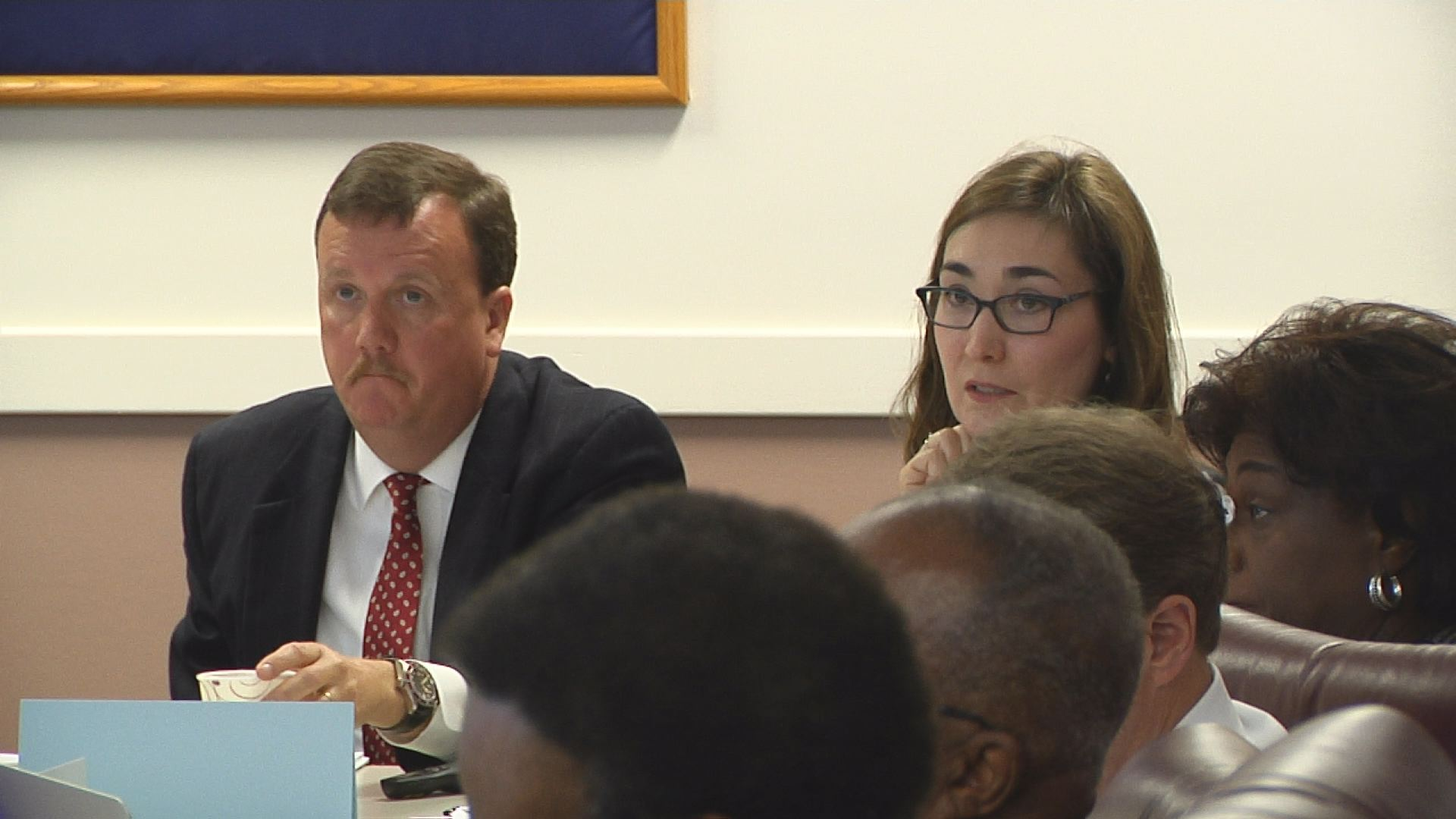 budget talks continue_187951