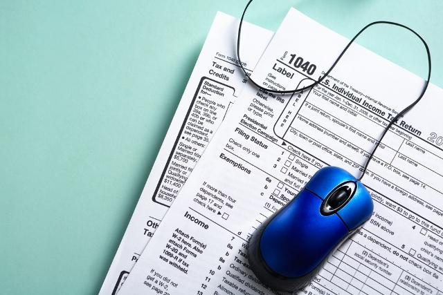 taxes online generic shutterstock_191605