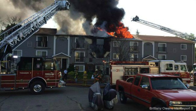 battle-creek-apartment-fire-052516-1_220743