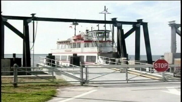Passenger ferry makes test run; leaders hope to aid tourism (Image 1)_1128