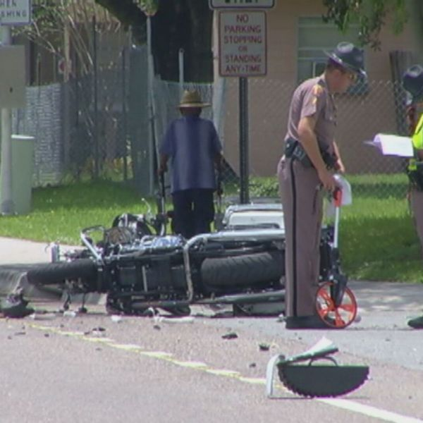 Deputies hurt during funeral_232144
