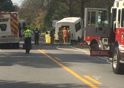 bus-crash-17-injured_295651