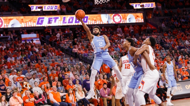 barry-leads-heels-past-clemson_325333