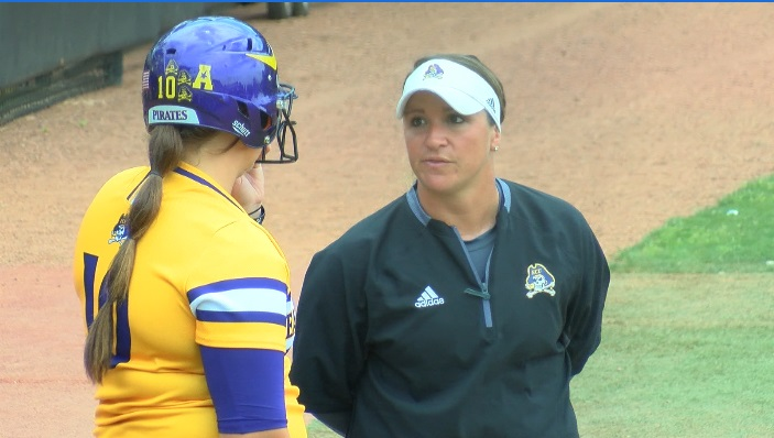 Courtney Oliver ECU Softball_395809