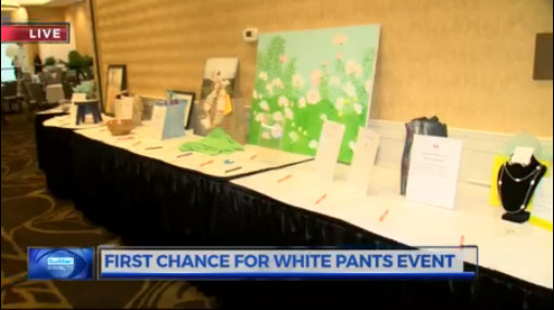 FIRST chance for white pants_414401