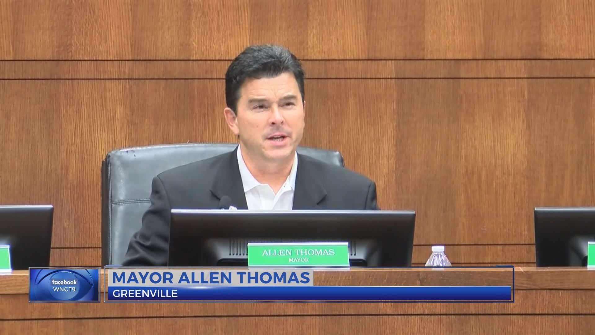mayor thomas resign_428116