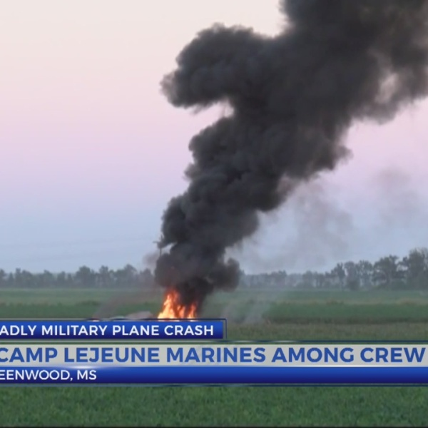 Investigators sift for clues in Mississippi military crash