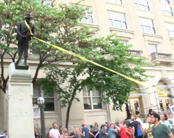 protesters topple statue in Durham_454693