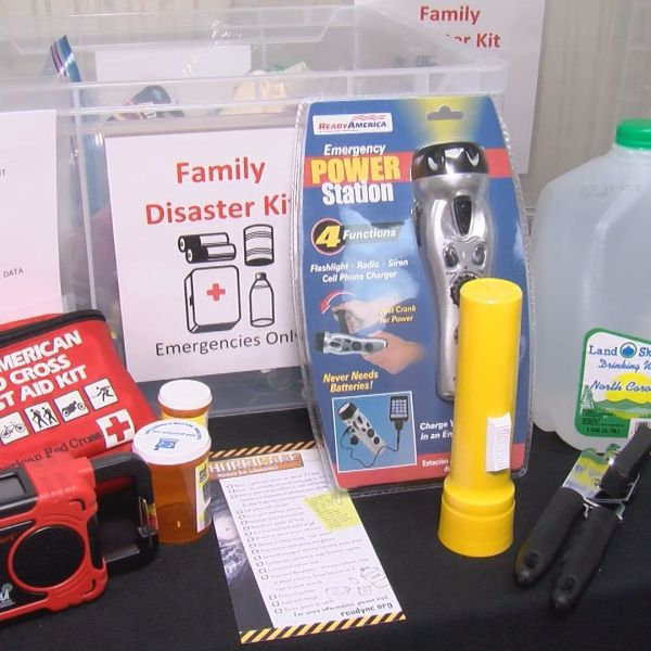 hurricane supply kit_466187