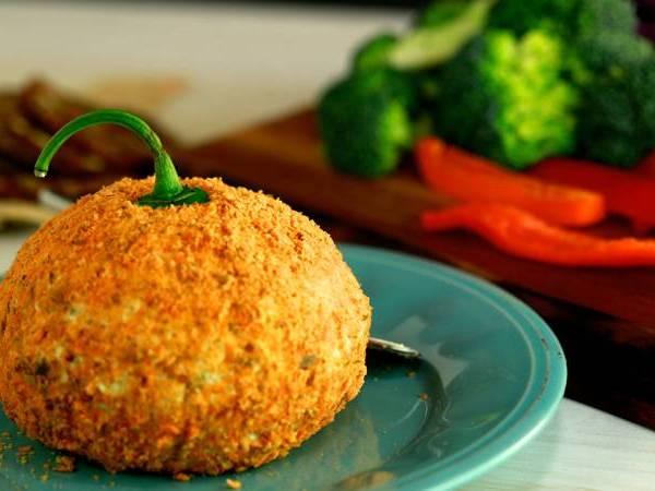 hot halloween cheese ball_498816