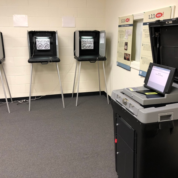 voting equipment_499959