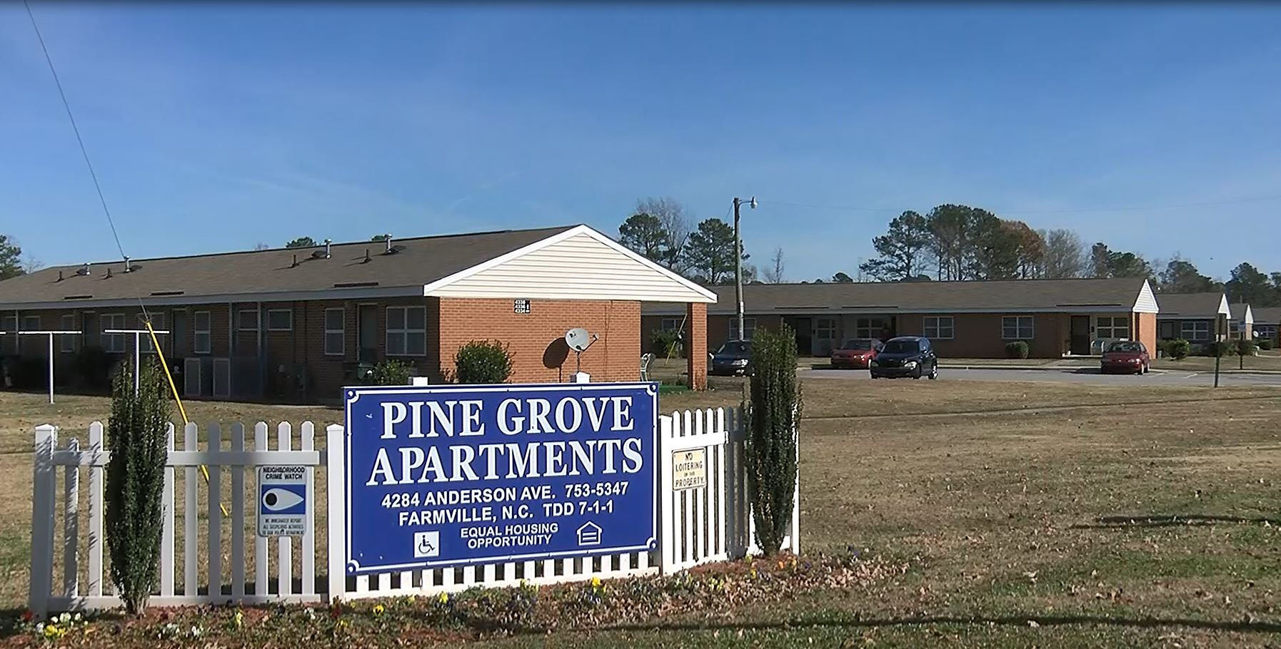 PINE GROVE APTs_528475