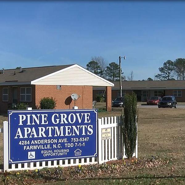 PINE GROVE APTs_528542