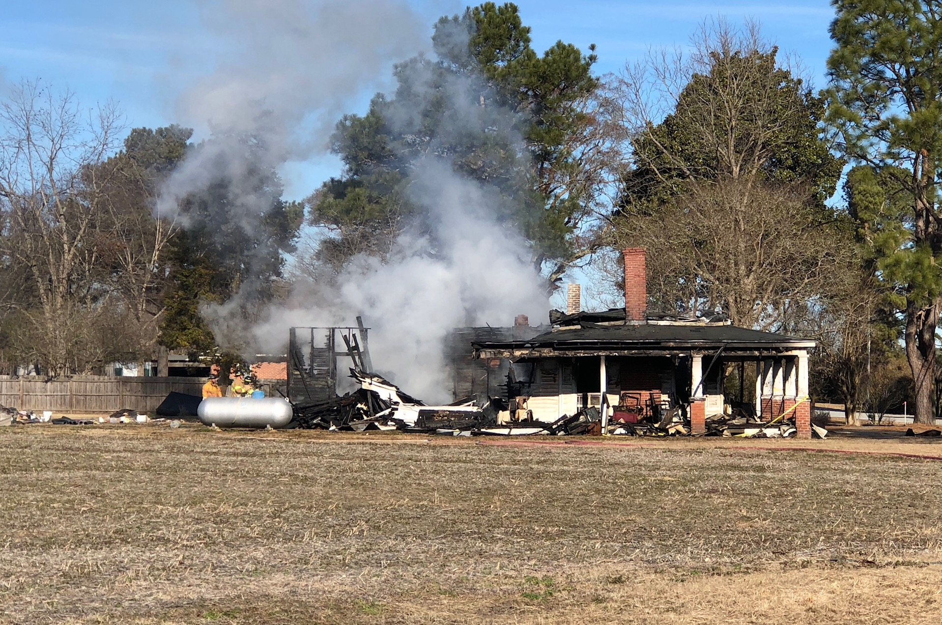 falkland house fire_557652