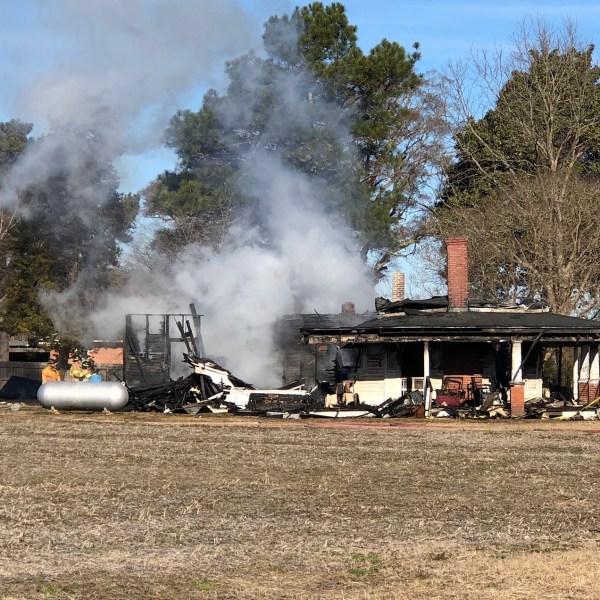 falkland house fire_557652