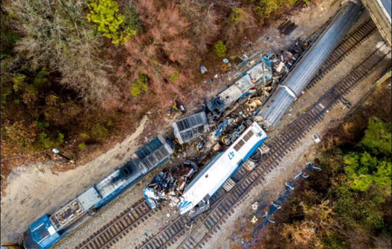 train-crash-ap_1__558748