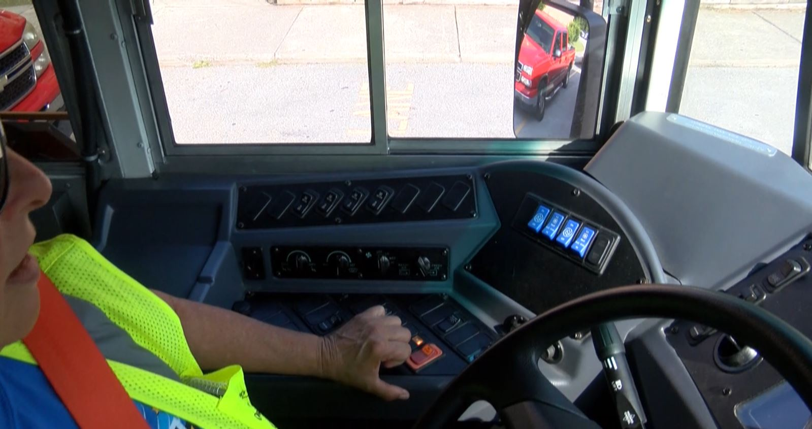 bus driver photo_578753