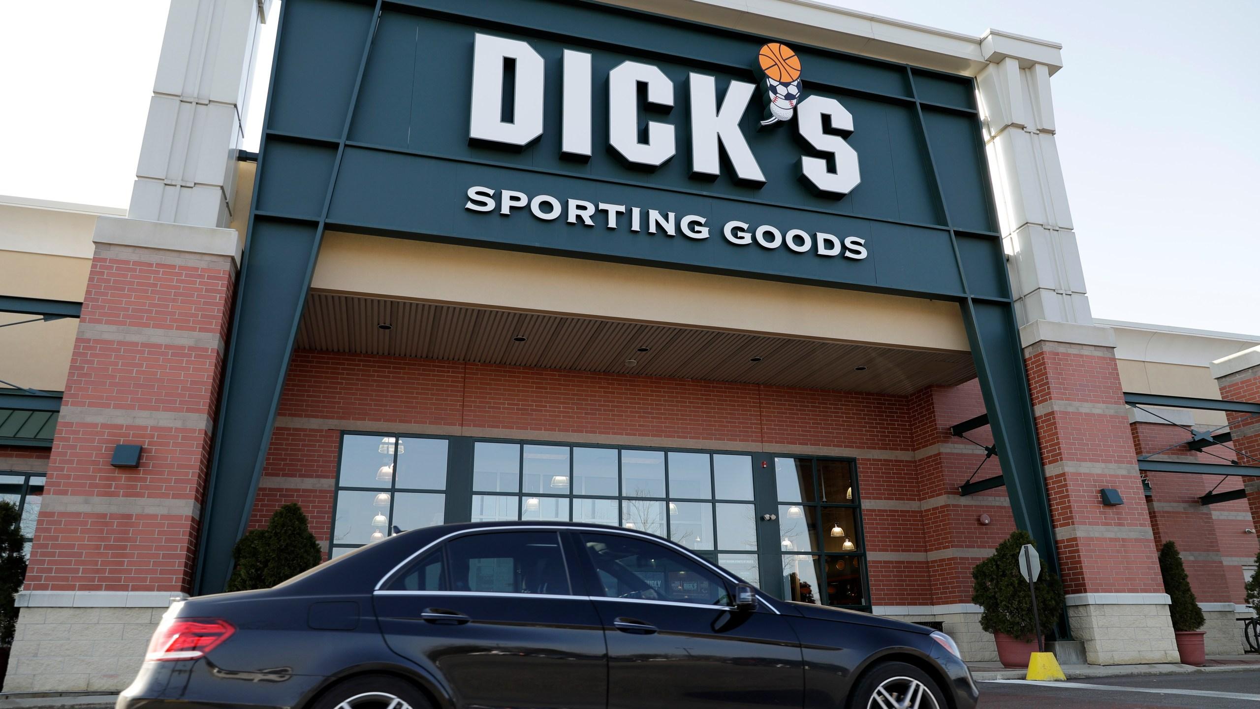 Dicks Rifle Sales_574281