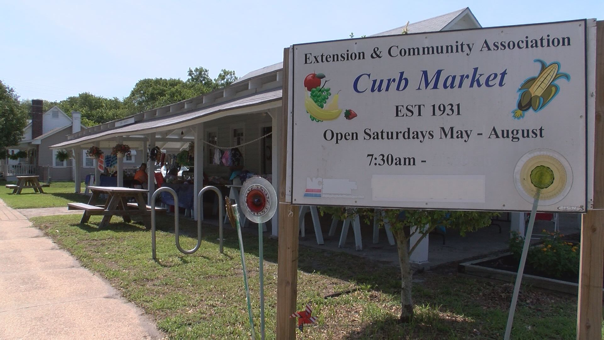 People and Places: Morehead City Curb Market