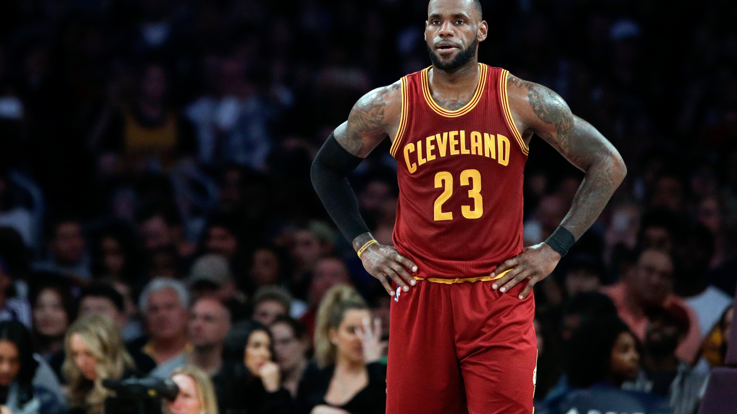 NBA_Free_Agency_LeBron's_Options_Basketall_18644-159532.jpg56083294