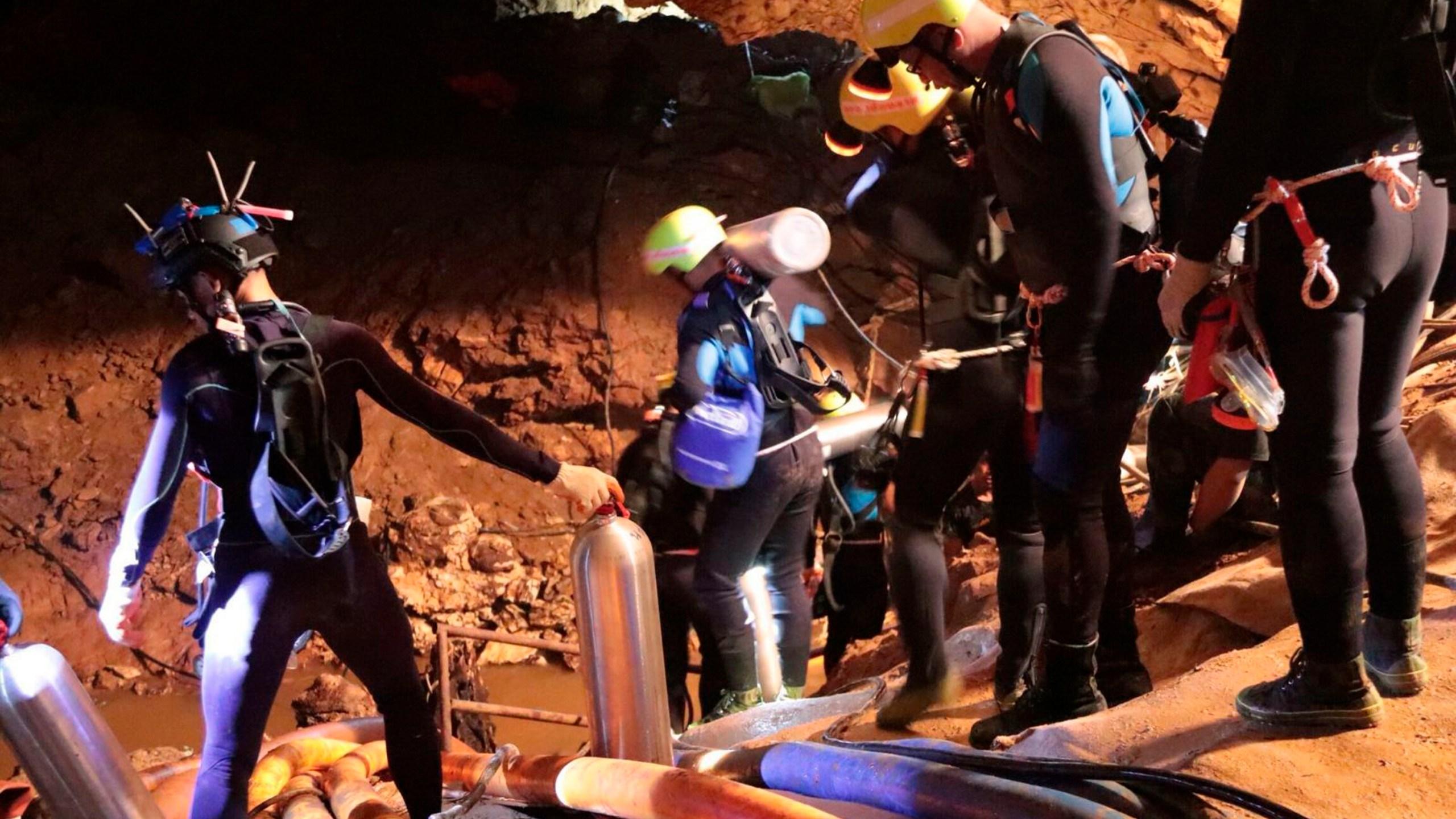Thailand_Cave_Search_87868-159532-159532.jpg24641640