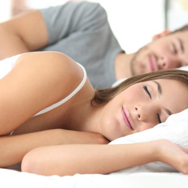 sleeping-couple_227977-873772846