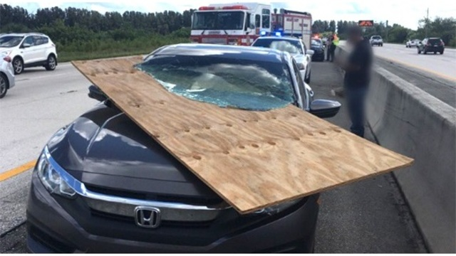 florida driver survives car impales windshield_1539516509910.jpg.jpg