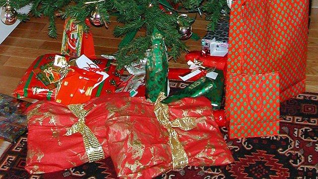 christmas-gifts_32868754_ver1.0_640_360_1545839181452.jpg