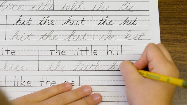 cursive-handwriting_37776377_ver1.0_640_360_1545393152599.jpg