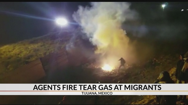 Agents_fire_tear_gas_at_migrants_0_66354484_ver1.0_640_360_1546516655327.jpg