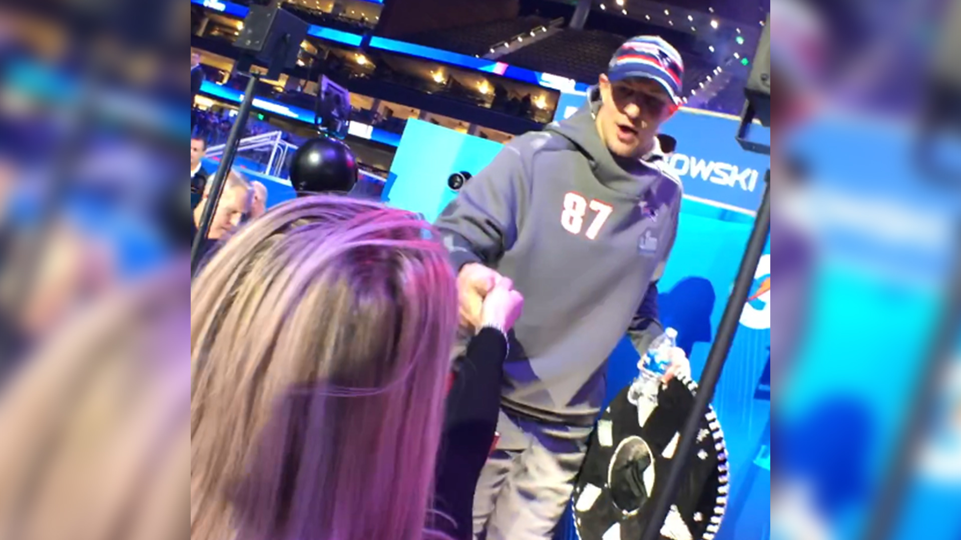 FULL: GRONK loses to reporter in Rock, Paper, Scissors...Shoot?