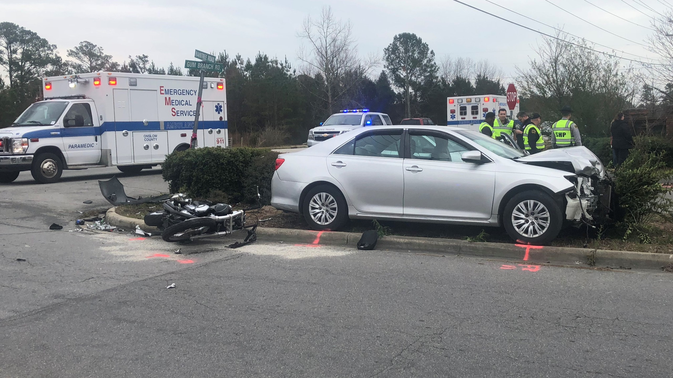 Officials investigate crash that killed motorcyclist in Jacksonville