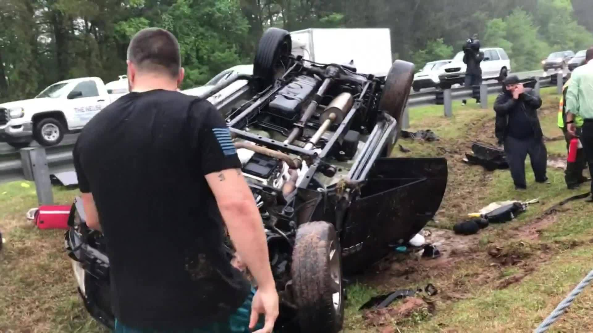 3_people__3_dogs_rescued_following_crash_7_20190419155837-873704001