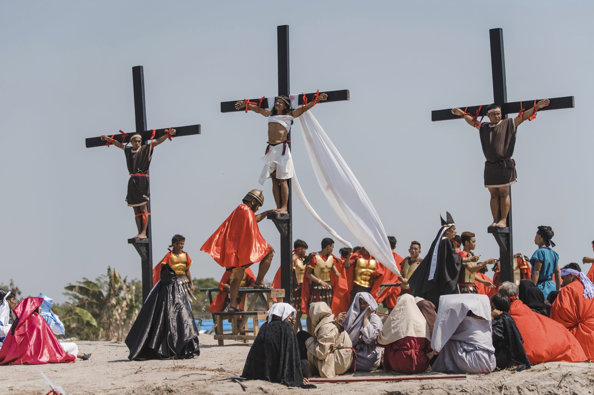 Filipino Catholics Nailed to Crosses on Good Friday