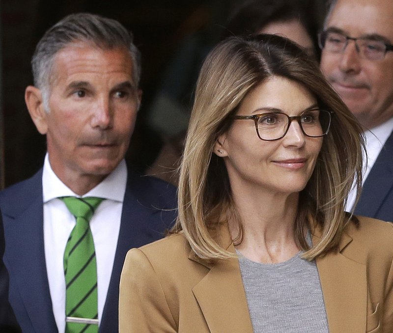 Lori Loughlin In Court