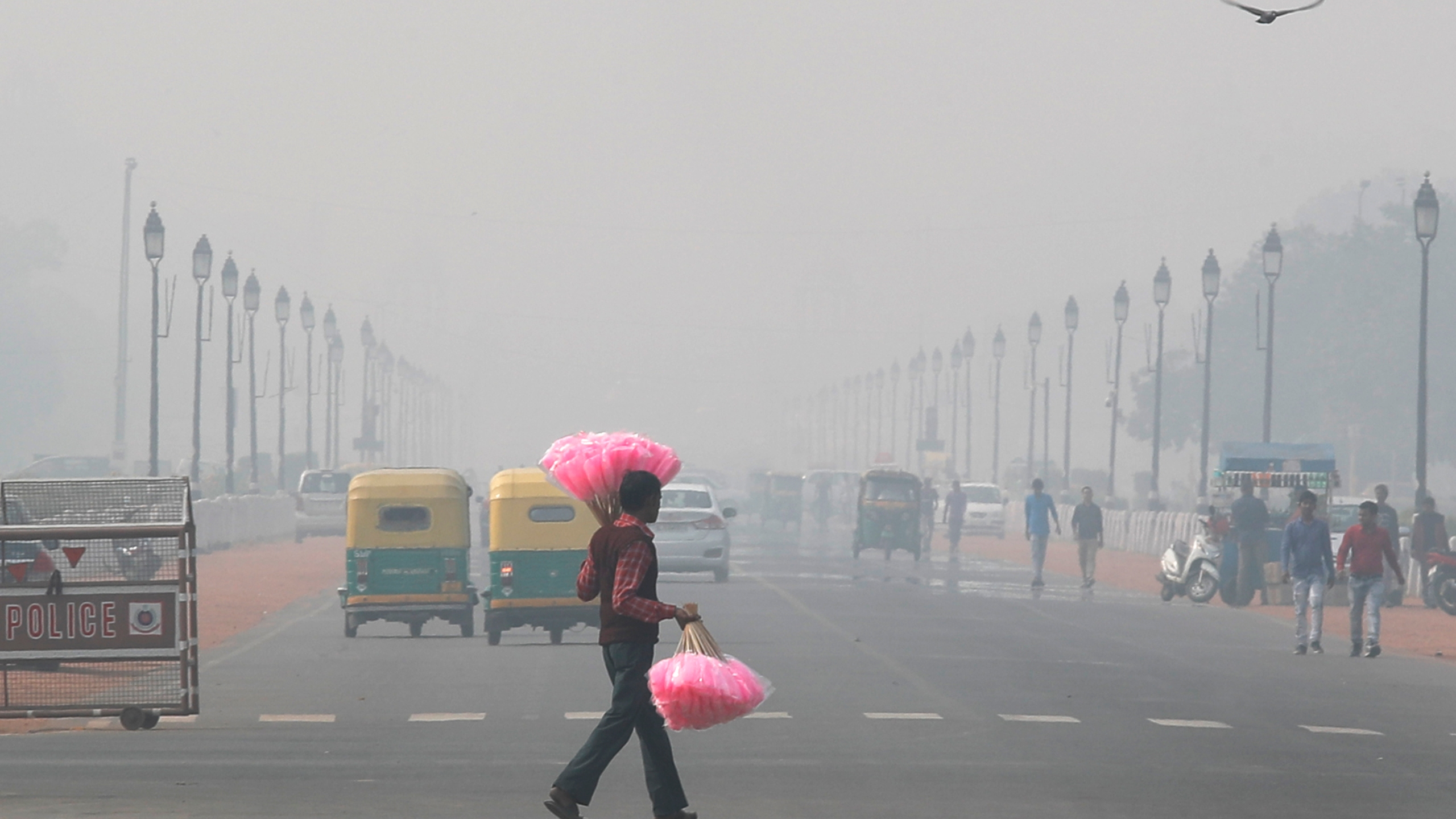 Air Quality Sinks To Severe In Haze Shrouded New Delhi Wnct