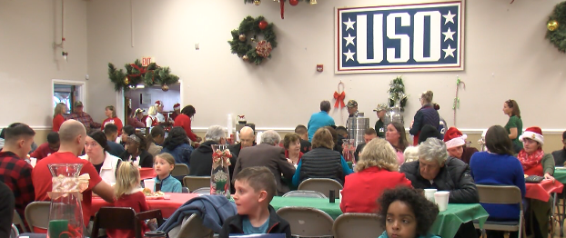 Online Originals: USO of North Carolina Jacksonville Center hosts a Christmas meal for service members
